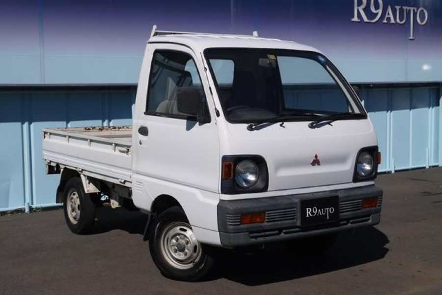 importing a 4x4 mitsubishi minicab mini truck from japan is it