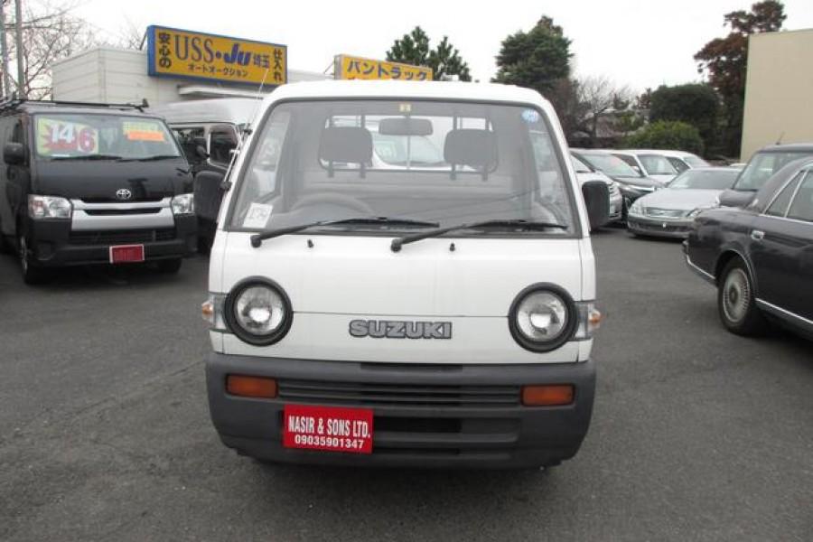 在新罕布什尔州出售的日本迷你卡车