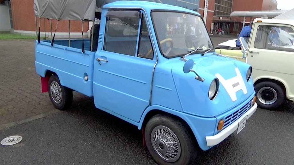 The Eco-Friendliness of Kei Trucks spans the years as most are extremely durable as with this blue Kei Truck.